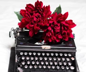 No intuito de representar um estilo de literatura raro em Portugal, a nossa convidada de hoje entregou-se ao deleitoso prazer de escrever.