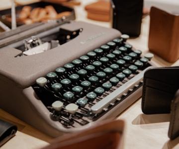 Escrever - Palavra de Autor(a) - Entrevista a autora portuguesa Sandra Carvalho à boleia dos géneros literários