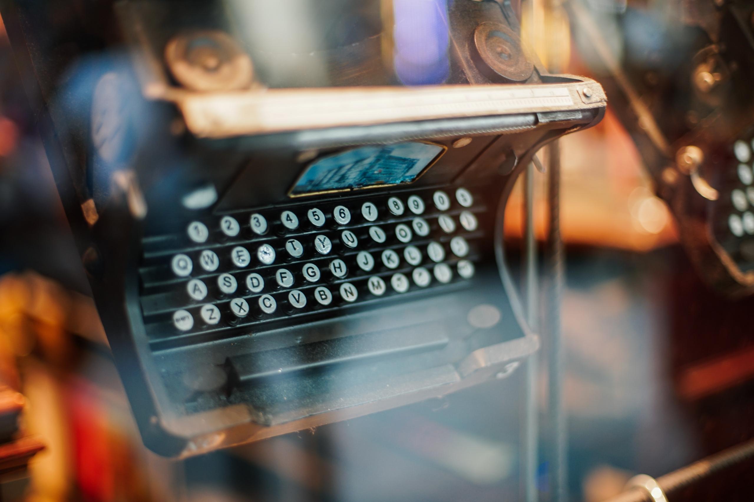 Escrever - Palavra da Autora Lénia Rufino